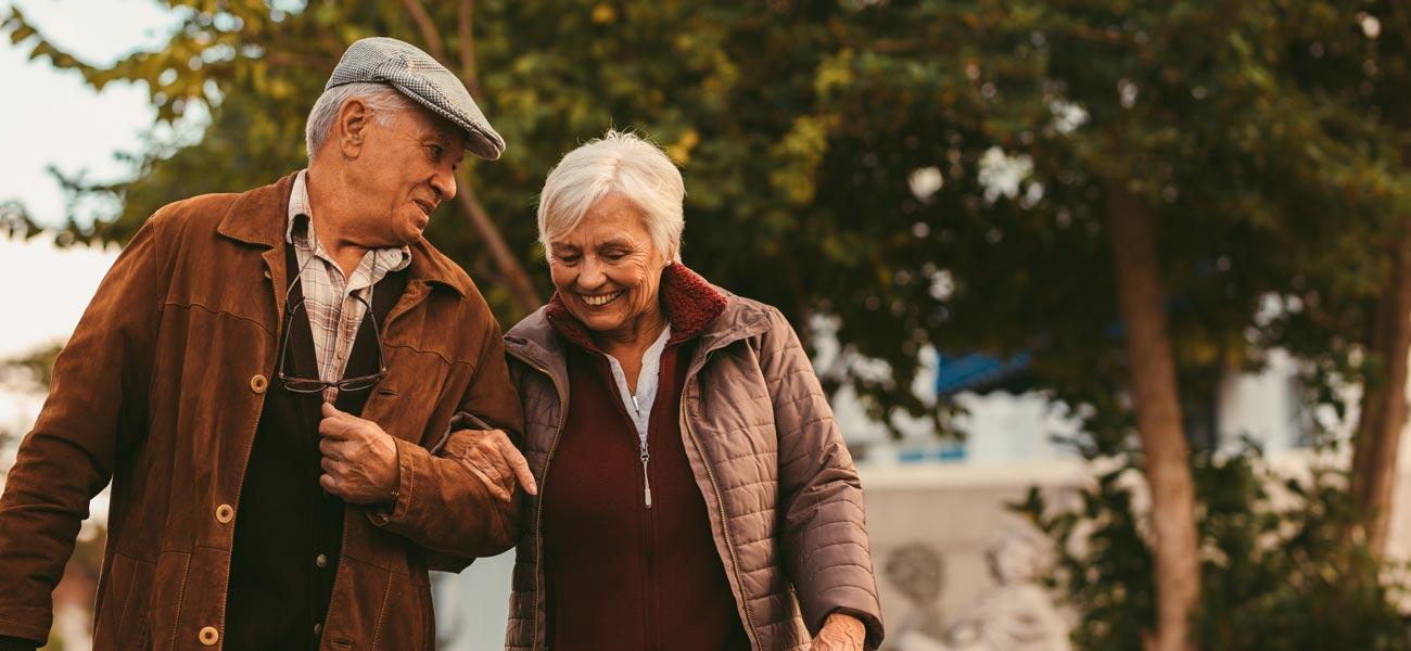 altes glückliches Ehepaar